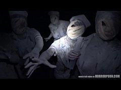 หนังโป๊ ฮาโลวีนxxx 2017 คนเย็ดหีีผี หนุ่มใจกล้าบุกเดี่ยวถ่ายคลิปเย็ดศพผีดิบซอมบี้นางพยาบาล