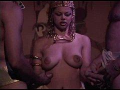 หนังโป๊อียิปต์ พระนางคลีโอพัตรา แอบฟาโรห์เล่นชู้กับ2หนุ่มโรมันโดนรุมเย็ดหีหน้าหลังพร้อมกันโคตรเสียว
