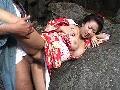 หนังโป๊ญี่ปุ่นเก่าๆ ยอดซามูไรเย็ดหีเกอิชาริมน้ำตก เย็ดกันบนโขดหินในป่าคาชุดกิโมโน