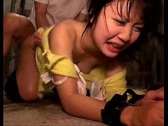 xxxjapan 2รุ่นพี่นักศึกษาฉุดรุ่นน้องสาวม.ปล่ายไปรุมข่มขืนในห้องเก็บของ จับเย็ดหีจนร้องไห้ แตกในซะด้วย