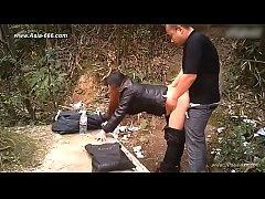 คลิปแอบถ่ายxxx คนจีนเที่ยวไทย เงี่ยนขึ้นมาแก้ผ้ายืนเย็ดกันในป่าเฉยเลย