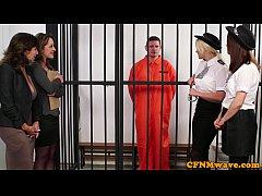 xxxหนังโป๊ฝรั่ง  หมอกับตำรวจสุดสวยมีอารมเจอควยผู้ต้องหาใหญ่จัดเลยรวมหัวไปรุมเย็ดผู้ต้องหาในห้องขังสุดฟิน
