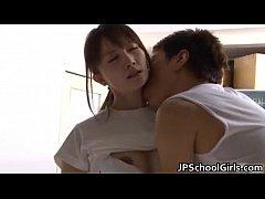 หนังโป๊ญี่ปุ่น หนุ่มสุดหื่นจับเพือนสาวสุดเซ็กซี่เล่นเสียวในห้องแต่งตัวใส๋กางแกงเสมอหีขนาดนี้ใครจะทนไหว