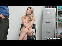 คลิปโป๊xxxฝรั่ง ตำรวจสอบสวนสาวผมทองจนยอมโดนลงโทษจับอมควยแล้วแหกหีเย็ดในห้องลับ