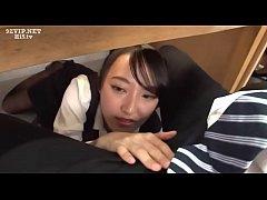 หนังxxxญี่ปุ่นเต็มเรื่อง สาวฝึกงานเอาใจหัวหน้าแอบมาอมควยใต้โต๊ะในออฟฟิตหวังเลือนตำแหน่ง