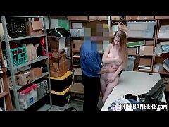 xxxpornฝรั่ง สาวสวยสุดมึนขโมยของแล้วนิ่วโดนตำรวจถามไม่ตอบเลยจับแหกหีเย็ดสุดฟินจนน้ำแตกแล้วปล่อยไปสมน้ำหน้า