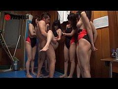 หนังโป๊ญี่ปุ่น สาวๆนักว่ายน้ำสุดเซ็กซี่เห็นควยครูฝึกใหญ่ดีเลยรวมหัวกันรุมเย็ดพร้อมอมเสียวสวิงกิ้งสุดมันจนน้ำแตก