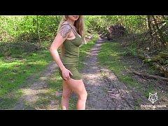 xxxฝรั่ง2019 สาวผมทองหุ่นดีเซ็กซี่อ่อยหีผัวในป่าจนโดนจับโม๊คควยซอยปากแล้วแหกหีกะเด้าโครตมันเสียวซื้ด