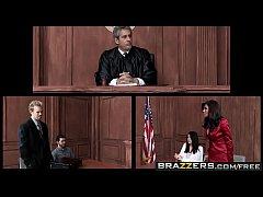 หนังโป๊ฝรั่ง สาวสวยนมโตแอบเล่นเสียวกับทนายฝั่งตรงข้ามหวังชนะคดีใช้หีเป็นตัวล่อจนแตกในเอวดีขึ้นขย่มมัน
