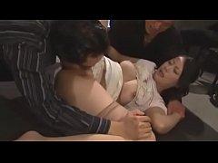 หนังโป๊ญี่ปุ่น av rape รุมเย็ดหีเมียลูกน้อง สาวสวย หุ่นดี หีขาวเนียน วางยาแล้วรุมโทรมเย็ดหี 3ต่อ1 แอบถ่าย xxx