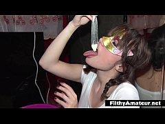 xxxฝรั่ง ถ่ายคลิป เย็ดหี สาวไซด์ไลน์ porn ขายตัว ให้โม๊คควย อมเสียว แล้วกินน้ำเชื้อน้ำอสุจิ จากถุงยางอนามัย