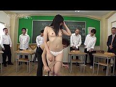 หนังโป๊ jav porn ครูจับนักเรียนสาวเย็ดหีเย็ดคาชุดนักเรียนญี่ปุ่นเพือนชายยืนชักว่าวกันเต็มห้องเรียนเสียวจัด