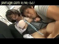 av japan sub thai ไอ้แก่หัวโลน แอบจกหีนักเรียนสาวบนรถไฟ BTS แหย่หีจนเงียนแหกหียืนเย็ดจนน้ำแตกฟินเลย