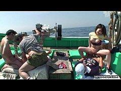 jav xxx สองสาวสวยดาราดังAV ชวนชาวประมงถ่ายหนังโป๊ บอกให้เย็ดหีฟรีๆ รีปเลยรุมสวิงกิ้งสุดฟินบนเรือกลางแจ้งกลางทะเล