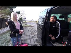 หนังโป๊เด็ดฝรั่ง2019 รายการ Fake Taxi เย็ดหีแทนค่าโดยสาร ล่อหีวัยรุ่นสาวนมโตบนรถกลางถนนโครตมันส์