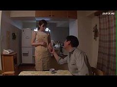หนังเอวีญี่ปุ่น อีร่าน สาวใหญ่นมโตแอบเล่นชู้กับเพื่อนผัวตอนผัวเมาหลับ ได้ทีเอาใหญ่เอากันสดๆคาบ้าน