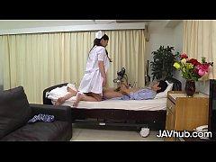jav นางพยาบาลสาวนมใหญ่สุดเอ็กแอบเย็ดกับคนไข้ ล่อซะน้ำเงี่ยนแตกในรูหีเลย
