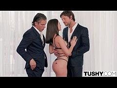 TUSHY PORN ดูหนังxฝรั่ง เลขาสาวสวยเอาตัวเข้าแรกให้เจ้านายรุมเย็ดสวิงกิ้ง อย่างเสียว